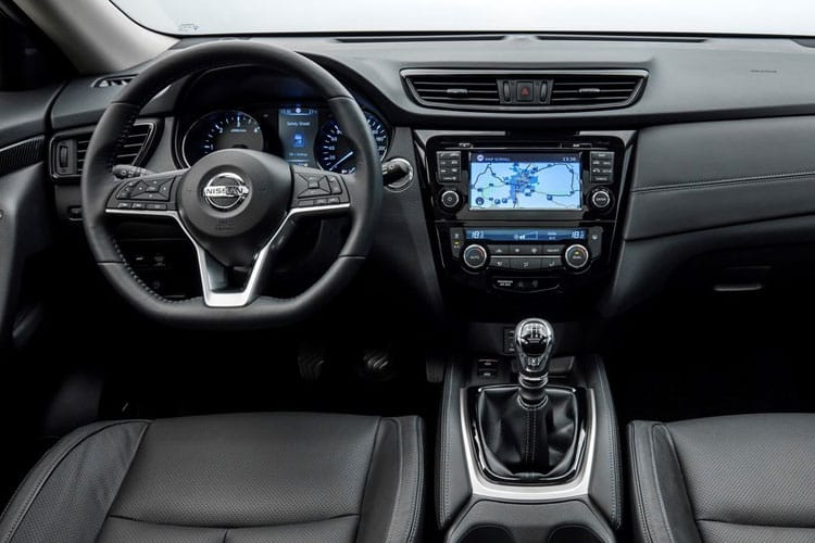 Nissan X-Trail SUV 4wd 1.7 dCi 150PS N-Connecta 5Dr CVT [Start Stop] [5Seat] inside view
